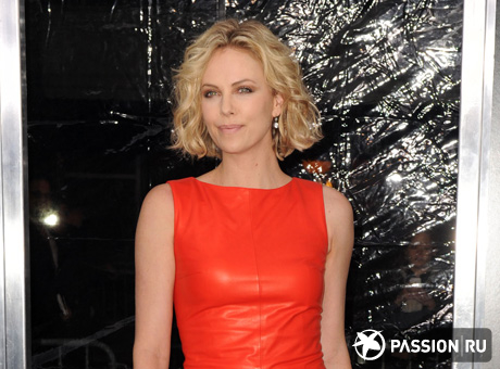Шарлиз Терон (Charlize Theron)/ splashnews.com